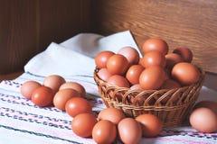 Haufen von Eiern Stockbild