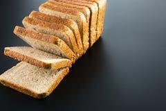 Haufen von gerösteten Brotscheiben Stockbild