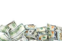 Haufen von hundert Dollarscheinen lokalisiert auf weißem Hintergrund mit Platz für Ihren Text - Bild lizenzfreies stockfoto