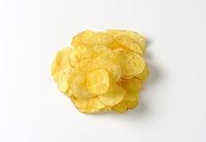 Haufen von Kartoffelchips stockbild