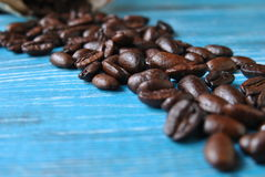 Haufen von Röstkaffeebohnen Stockfoto