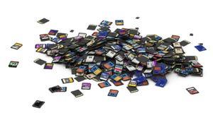 Haufen von Sd- und microSDcodierten Karten Stockbild