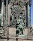 Haugwitz und andere, die das Thema 'Verwaltung ', Kaiserin Maria Theresa Monument, Wien, Österreich darstellen lizenzfreie stockbilder