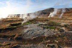 Haukadalur谷,喷泉(geysir)金黄圈子,冰岛 免版税库存照片
