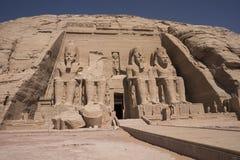 Haupt-façade großer Tempel von Ramses II in Abu Simbel, Ägypten Lizenzfreie Stockbilder