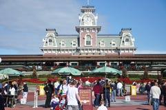 Haupteingang des magischen Königreiches von Disney Stockbilder