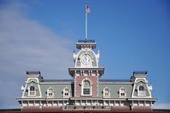 Haupteingang des magischen Königreiches von Disney Lizenzfreie Stockbilder