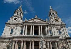 Haupteingang Kathedrale zur Str.-Pauls Lizenzfreie Stockfotos