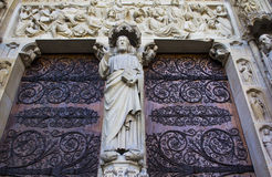 Haupteingang von Notre Dame de Paris Stockfotos