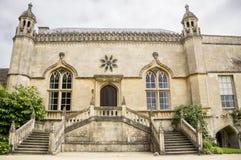 Haupteingang zu Lacock-Abtei, Wiltshire, Großbritannien Lizenzfreie Stockbilder
