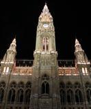 Hauptfassade des Viennas Rathauses, Österreich Stockbilder