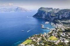 Haupthafen der Insel großen Jachthafens Capris stockfotos