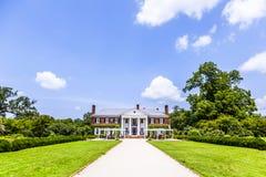 Haupthaus an Boone Hall Plantation und an den Gärten Lizenzfreie Stockfotos