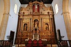 Hauptkirchenschiff und Altar in der Kathedralen-Kirche der Heiliger Maria von Betancuria Stockbild