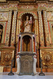 Hauptkirchenschiff und Altar in der Kathedralen-Kirche der Heiliger Maria von Betancuria in Fuerteventura, Lizenzfreies Stockbild