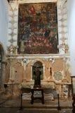 Hauptkirchenschiff und Altar in der Kathedralen-Kirche der Heiliger Maria von Betancuria in Fuerteventura Lizenzfreie Stockfotos