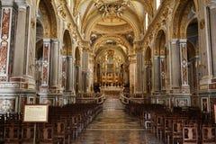 Hauptkirchenschiff und Altar innerhalb der Basilika-Kathedrale bei Monte Cassino Abbey Italien Lizenzfreie Stockfotos