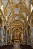 Hauptkirchenschiff und Altar innerhalb der Basilika-Kathedrale bei Monte Cassino Abbey Italien Lizenzfreies Stockfoto
