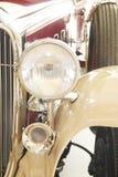 Hauptleuchte und Hupe eines antiken Autos 1932 Lizenzfreie Stockfotos