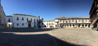 Hauptplatz von Puebla-De-Montalban Stockbilder
