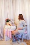 Hauptporträt der schwangeren Frau Lizenzfreies Stockfoto