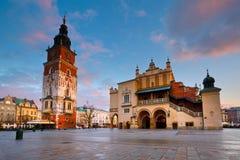 Hauptquadrat in Krakau Stockbilder
