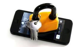Hauptschlüssel am intelligenten Telefon stockfoto