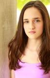 Hauptschuß des hübschen jugendlichen Mädchens Lizenzfreie Stockfotografie