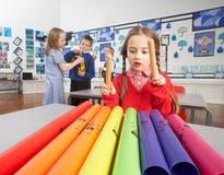 Hauptschulkinder, die Musik-Lektion haben Lizenzfreie Stockbilder