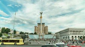 Hauptstadt von Ukraine-Unabhängigkeitsquadrat timelapse Stadtbild mit Straße und Gebäuden stock video