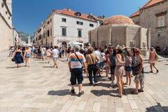 Hauptstra?e Stradun in Dubrovnik stockfotos