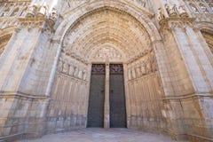 Haupttür der Kathedrale in Toledo horizontal Stockbild