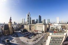 Hauptwache Pplaza和现代skyscarpes在法兰克福, Ge 免版税图库摄影
