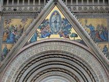 Hauptwestportal- und die Annahme von Mary - oder Stockfotografie