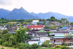 Haus auf Berg in Thailand Lizenzfreie Stockfotos