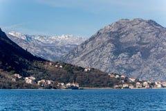 Haus auf dem adriatisches Seestrand Stockfotos