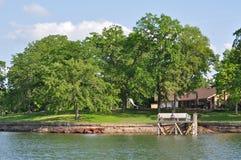 Haus auf dem See Stockbilder
