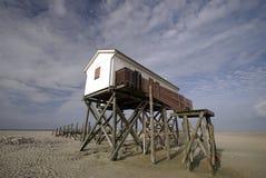 Haus auf dem Strand Stockfotos