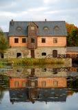 Haus auf dem Wasser Stockfotos