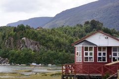 Haus auf der Natur stockfotos