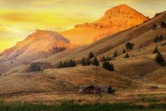 Haus auf der Strecke in der Antilope Oregonon bei Sonnenaufgang Lizenzfreie Stockbilder
