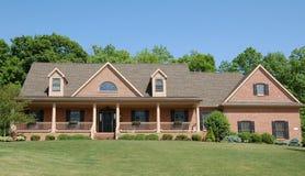 Haus auf Hügel Stockbild