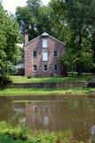 Haus auf Teich Stockfotos