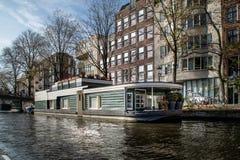 Haus auf Wasser Stockbilder