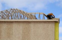 Haus-Aufbau im Winter Lizenzfreie Stockfotos
