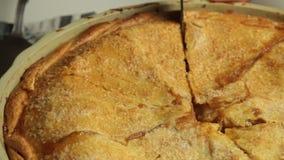 Haus bildete Apfelkuchen stock footage