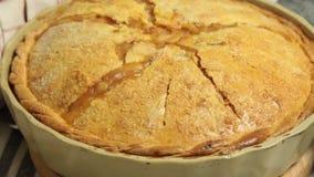 Haus bildete Apfelkuchen stock video