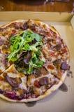 Haus bildete Pizza Lizenzfreie Stockfotos