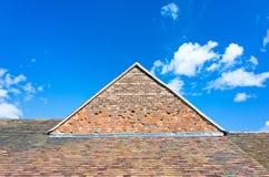 Haus-Dach und Giebel Stockfotografie