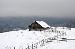 Haus in den Bergen Stockfotografie